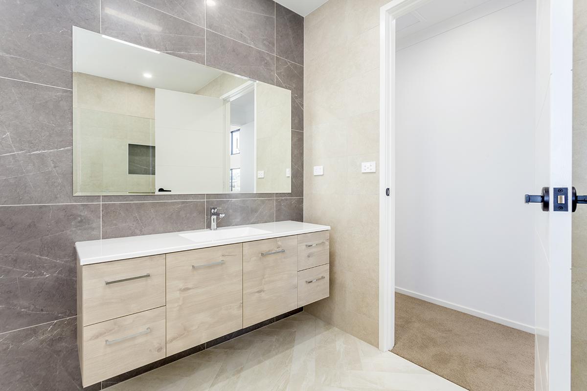 Denman bathroom